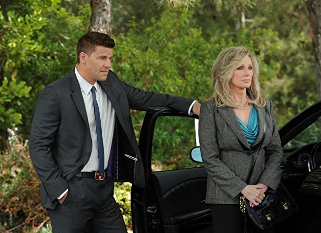 Morgan Fairchild and David Boreanaz in Bones (2005)