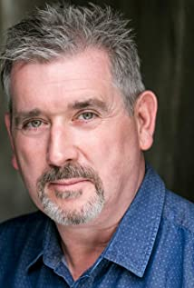 Aktori Gary Heron