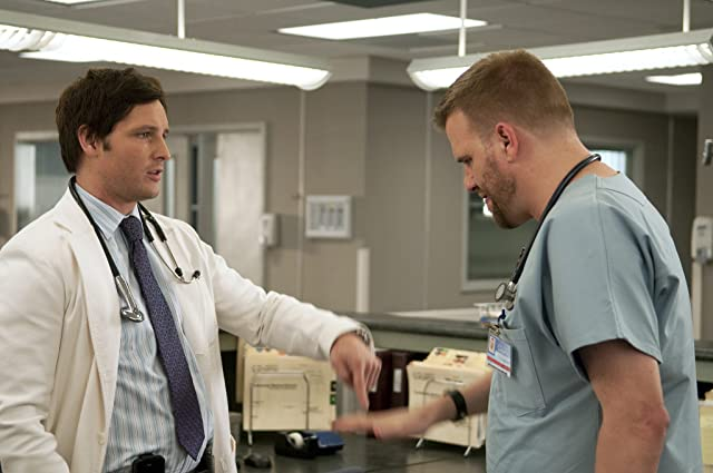 Peter Facinelli and Stephen Wallem in Nurse Jackie (2009)