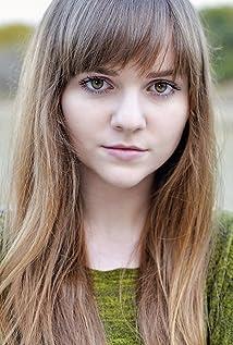 Aktori Tara Lynne Barr
