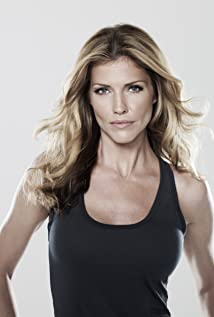 Tricia Helfer Picture
