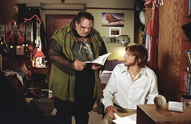 Ashton Kutcher and Ethan Suplee in The Butterfly Effect (2004)