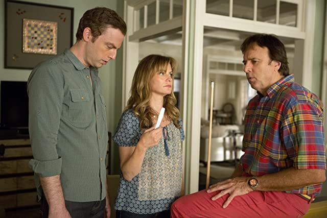Jennifer Jason Leigh, Justin Kirk, and Kevin Nealon in Weeds (2005)