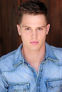 Aktori Austin Fryberger