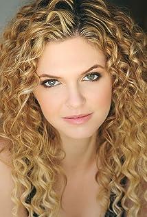 Caroline Heinle Picture