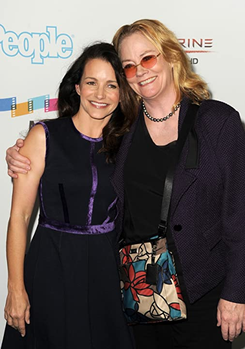 Cybill Shepherd and Kristin Davis