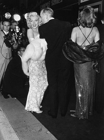 M.Monroe at premiere of