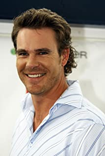 Aaron Jeffery Picture