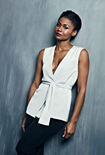 Emayatzy Corinealdi Picture