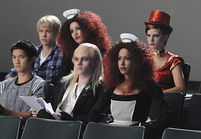 Naya Rivera, Harry Shum Jr., Dianna Agron, Chris Colfer, Chord Overstreet, and Heather Morris in Glee (2009)