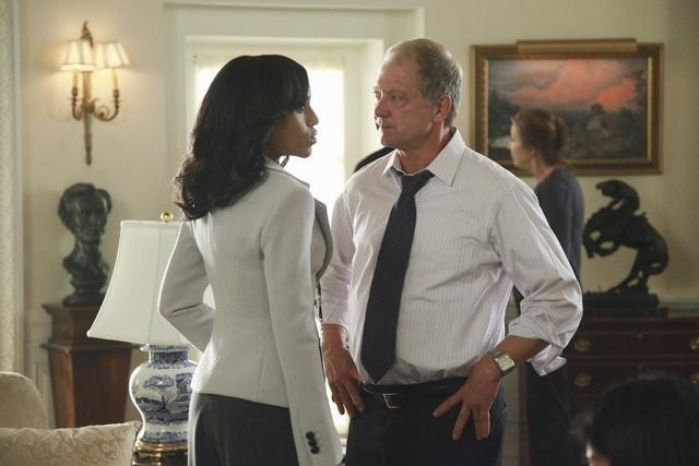 Jeff Perry and Kerry Washington in Scandal (2012)
