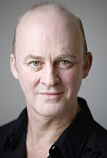 The 61-year old son of father (?) and mother(?), 186 cm tall Tim McInnerny in 2018 photo