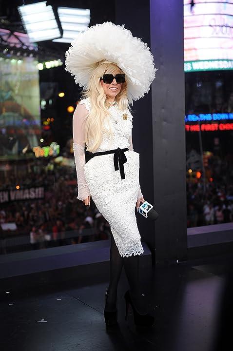 Lady Gaga in 2011 MTV Video Music Awards (2011)