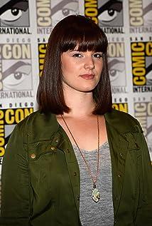 Aktori Amy Newbold