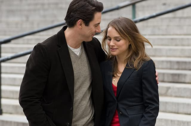 Natalie Portman and Scott Cohen in Love and Other Impossible Pursuits (2009)