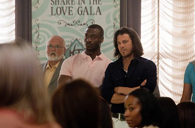 Aldis Hodge and Christian Kane in Leverage (2008)