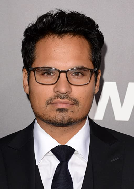 Michael Peña at End of Watch (2012)