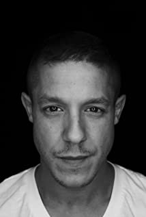 Theo Rossi Picture