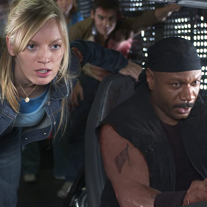 Ving Rhames, Sarah Polley, and Ty Burrell in Dawn of the Dead (2004)