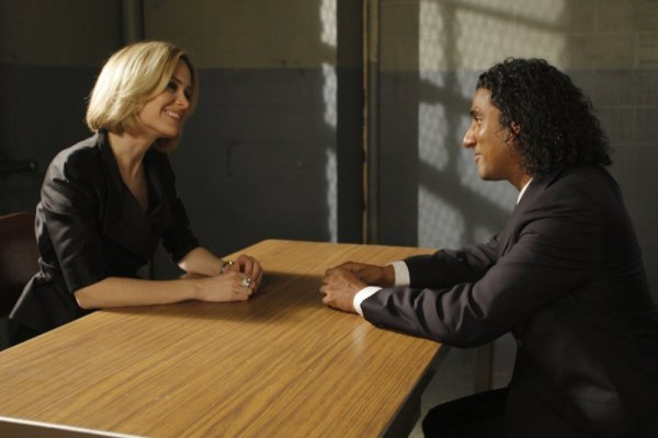 Naveen Andrews and Sarah Paulson in Law & Order: Special Victims Unit (1999)