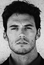 Sam Claflin's primary photo