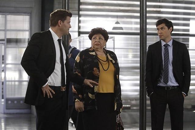 David Boreanaz, Patricia Belcher, and John Francis Daley in Bones (2005)