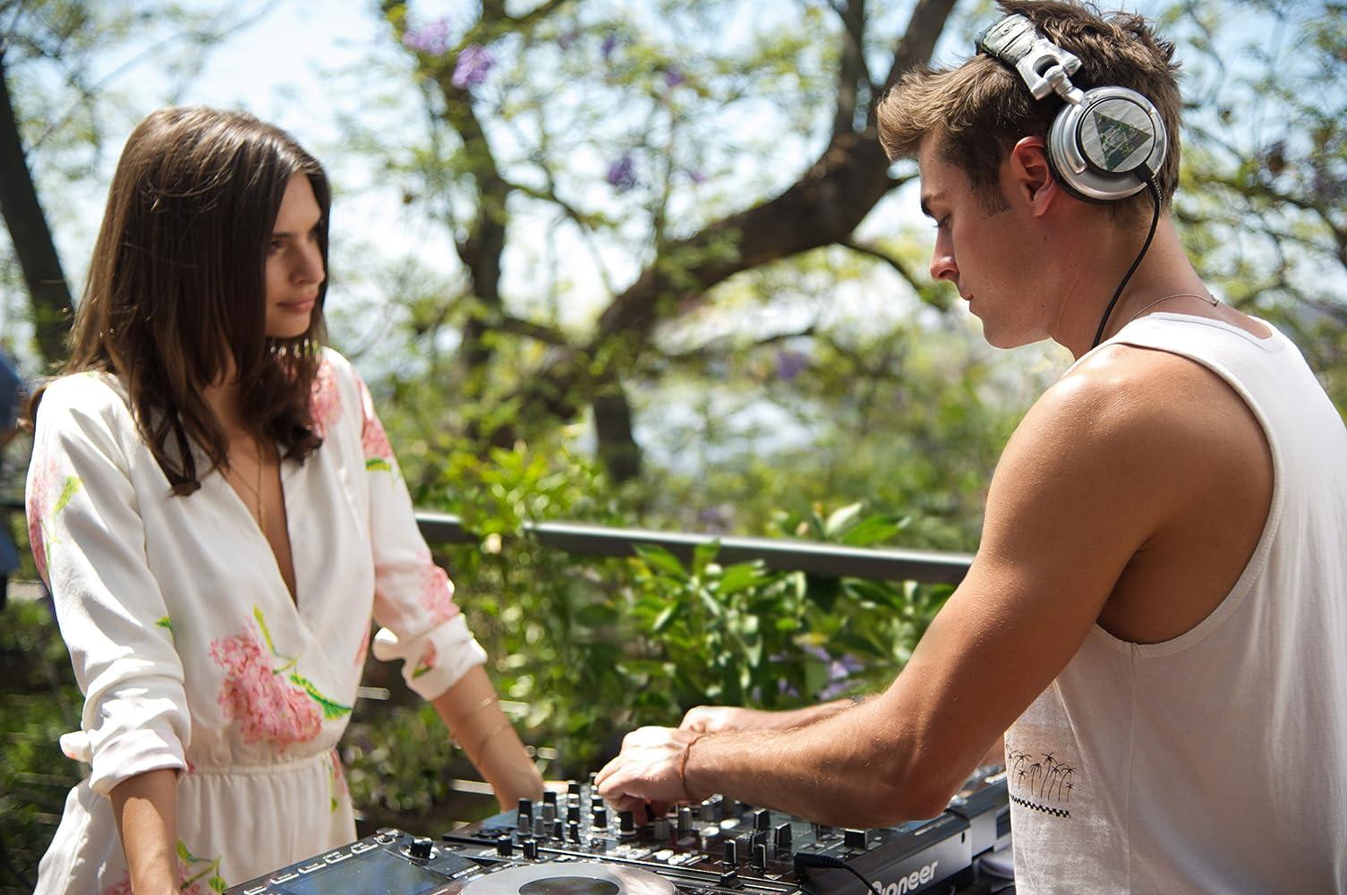 Música, amigos y fiesta (We Are Your Friends)