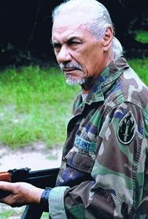 Aktori Kim Kahana