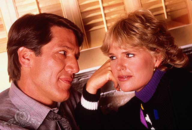 Sharon Gless and Stephen Macht in Cagney & Lacey (1981)