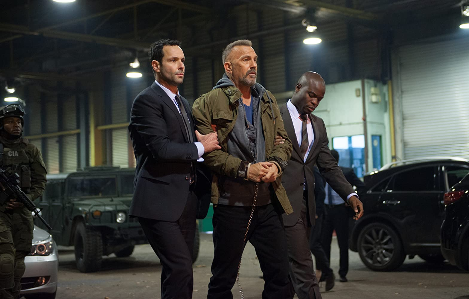 Kevin Costner, Freddy Bosche, and Emmanuel Imani in Criminal (2016)