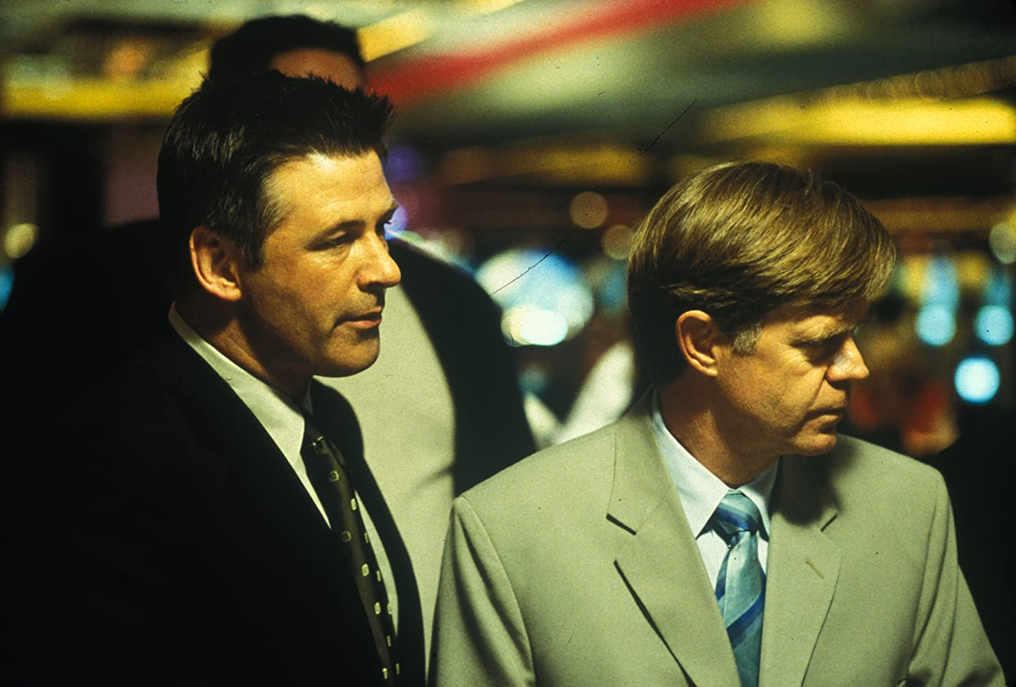 Alec Baldwin and William H. Macy in The Cooler (2003)