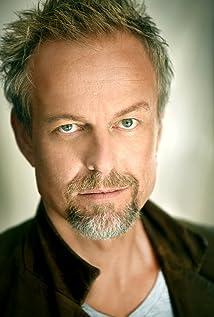 Aktori Nick Boraine