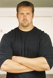 Aktori Derek Graf