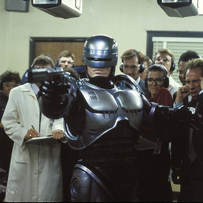 Peter Weller, Miguel Ferrer, Stephen Berrier, Sage Parker, Felton Perry, and Yolonda Williams in RoboCop (1987)