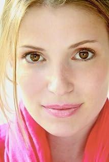 Julia Whelan Picture