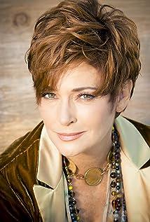 Aktori Carolyn Hennesy