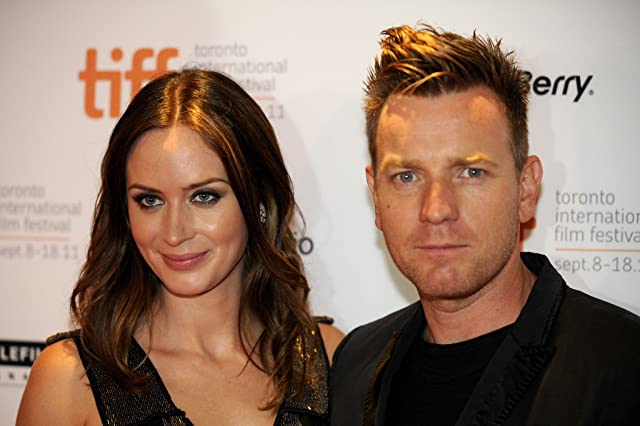 Ewan McGregor and Emily Blunt at event of Salmon Fishing in the Yemen