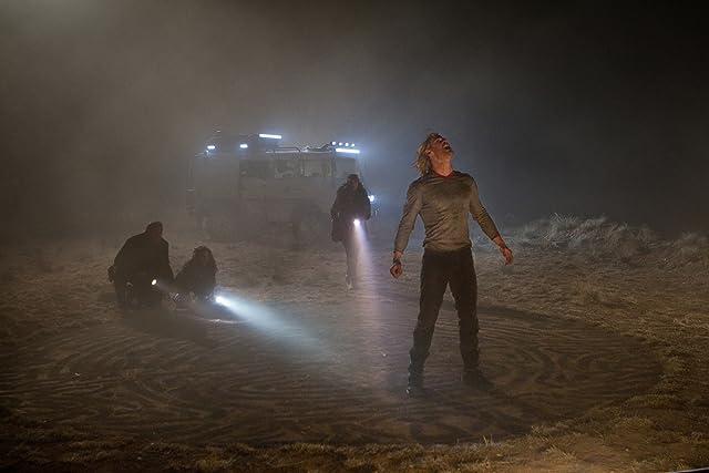 Natalie Portman, Stellan Skarsgård, Kat Dennings, and Chris Hemsworth in Thor (2011)