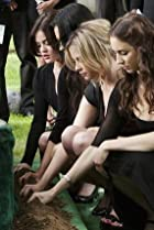 Image of Pretty Little Liars: The Devil You Know