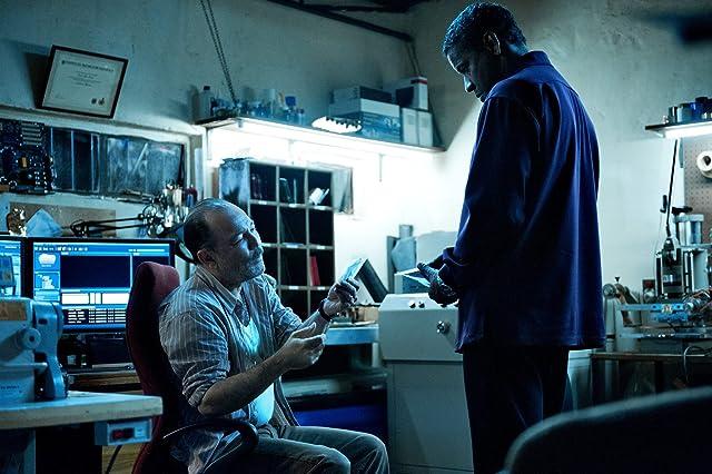 Denzel Washington and Rubén Blades in Safe House (2012)