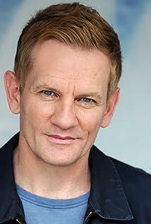 Aktori Daniel Beer