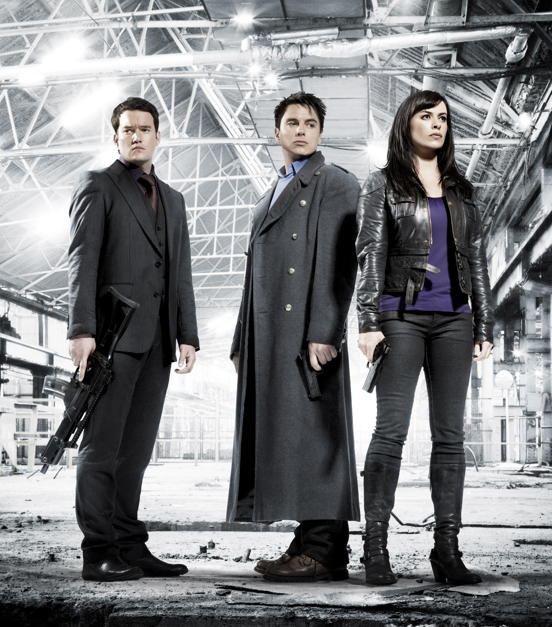 streaming guide 10 sci fi tv shows that are totally binge worthy john barrowman eve myles and gareth david lloyd in torchwood 2006