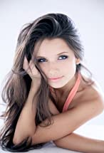 Alice Greczyn's primary photo