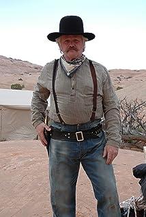 Aktori Fenton Quinn