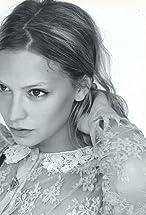 Annabelle Dexter-Jones's primary photo