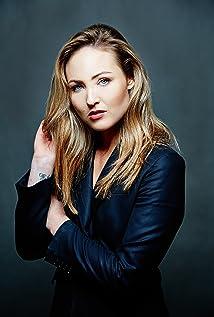 Aktori Priscilla-Anne Forder