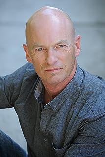Aktori Kevin Davey