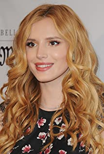 Bella Thorne New Picture - Celebrity Forum, News, Rumors, Gossip