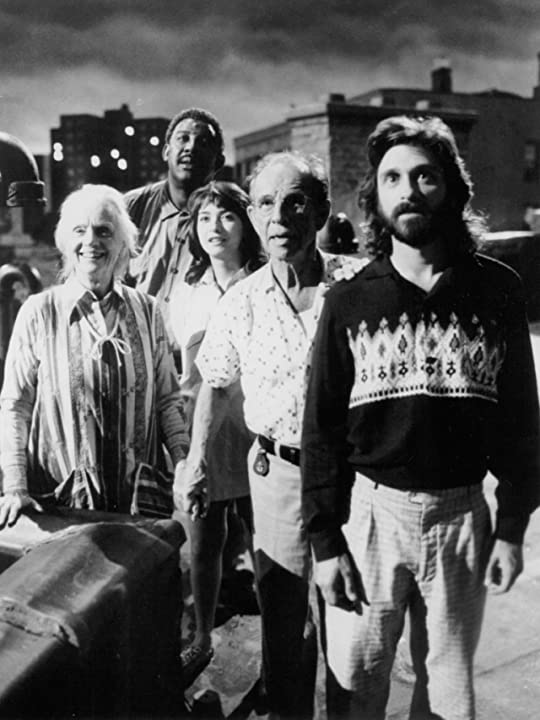 Elizabeth Peña, Jessica Tandy, Hume Cronyn, Dennis Boutsikaris, and Frank McRae in *batteries not included (1987)