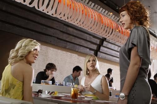 Jennie Garth, Tori Spelling, and Diablo Cody in 90210 (2008)